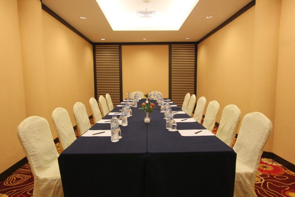 Harmoni Suites Meeting Room